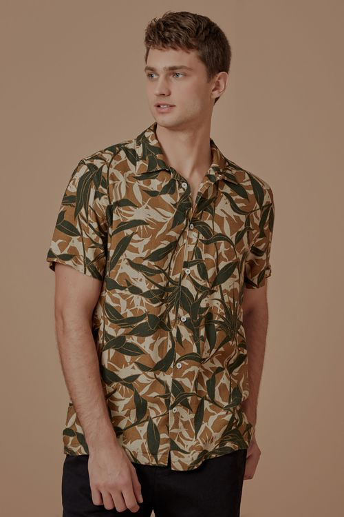 704065_0030_1-CAMISA-MC-ESTAMPADA-CAMUFLADO-TROPICAL